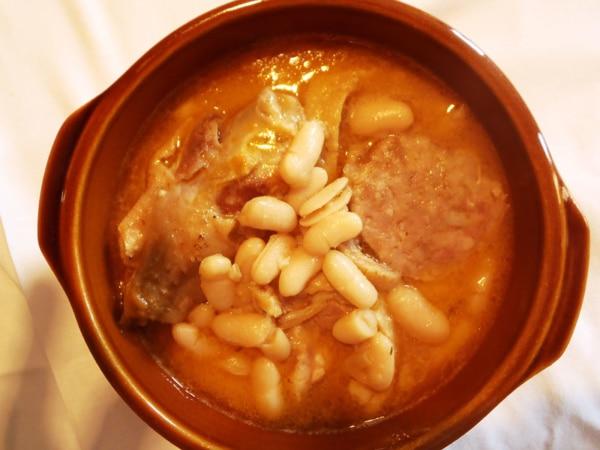Haricots Cuisinés aux Manchons de Canard et Cou Farci